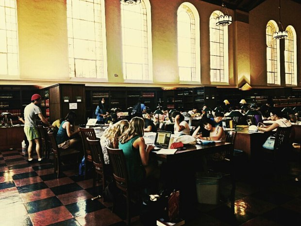 studying_students_inside_of_powell_library