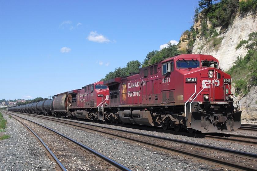 canadian-pacific-oil-tank-train-locomotive.jpg