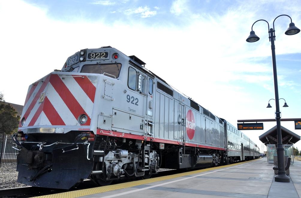 Caltrain_JPBX_922_at_Santa_Clara_Station.JPG